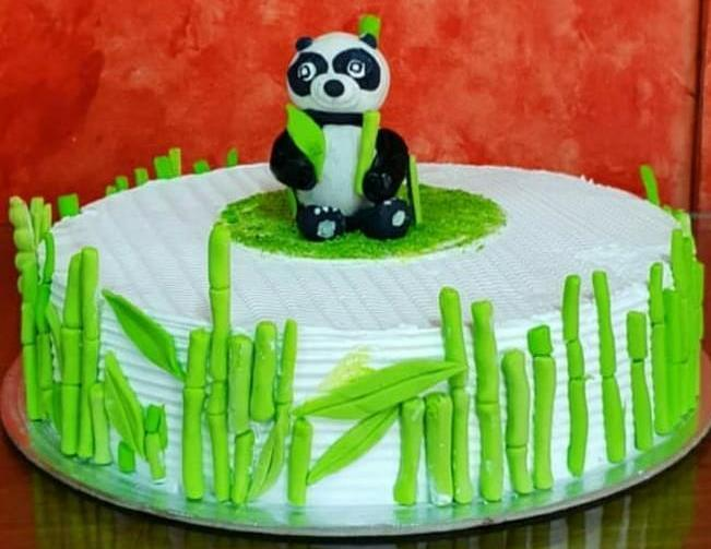 Panda Black Forest Cake - 1 kg